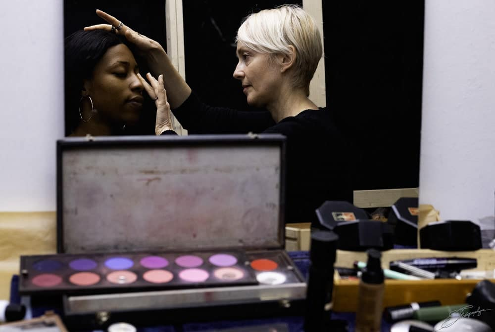 aossy-backstage-2019-mannequin-maquillage