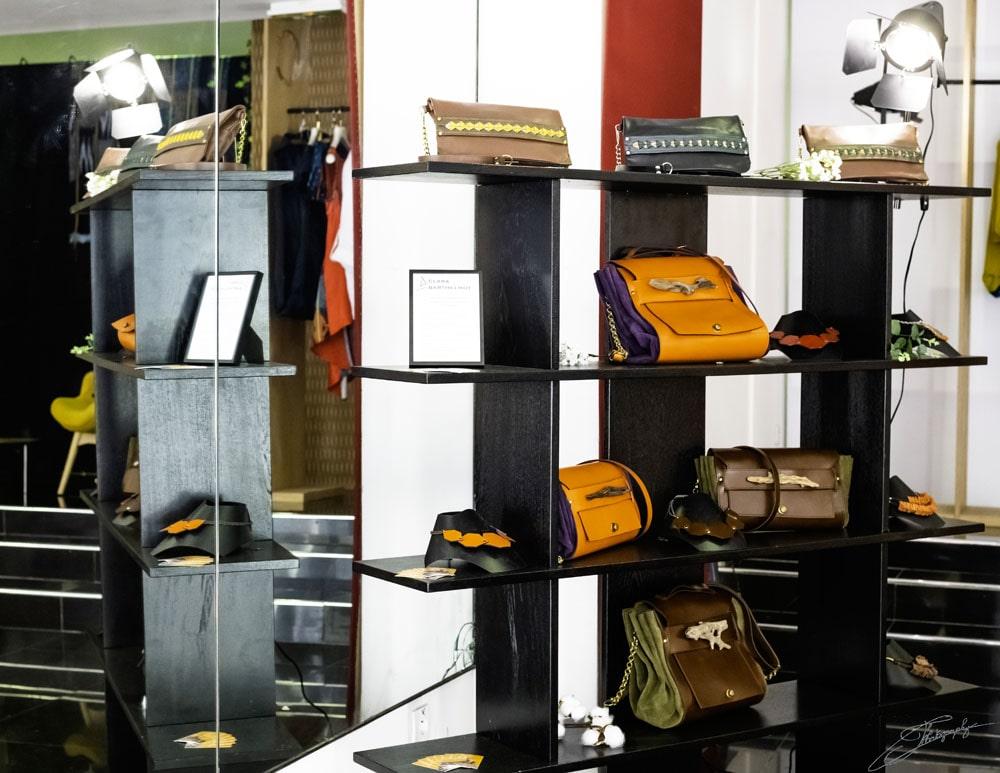 AOSSY-boutique-éphémère-installation-sac