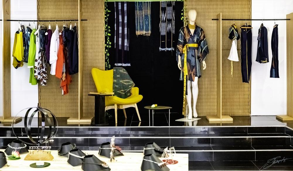 AOSSY-boutique-éphémère-mannequin-vêtements