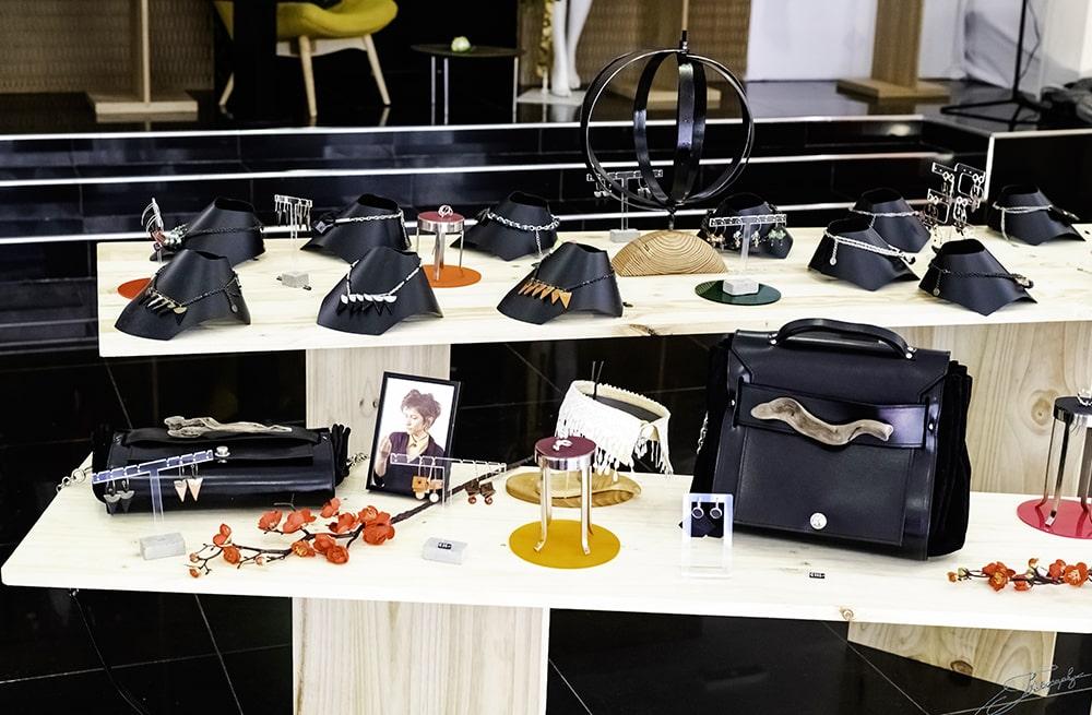 AOSSY-boutique-éphémère-installation-sac-bijoux