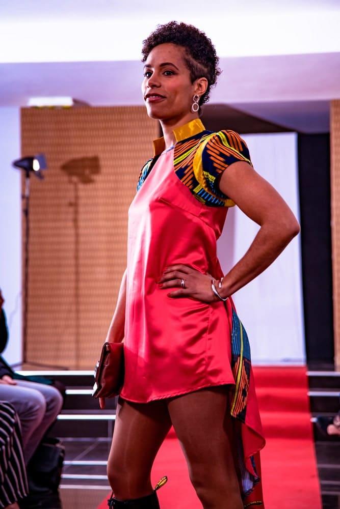 aossy-defile-backstage-2019-catwalk-femme-robe-rose